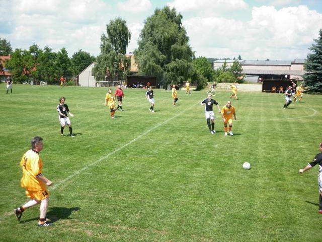 11-fotbal-06-25-vyroci789