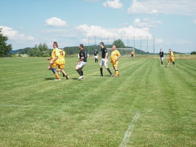 11-fotbal-06-25-vyroci793