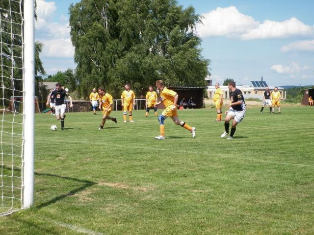 11-fotbal-06-25-vyroci794