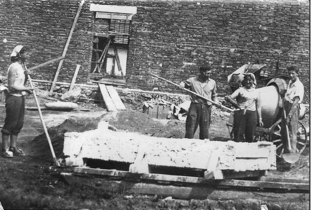 historie-kravin-stavba